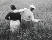 Småbrukarna Berta och Helmer Jonsson, Baggård 1960